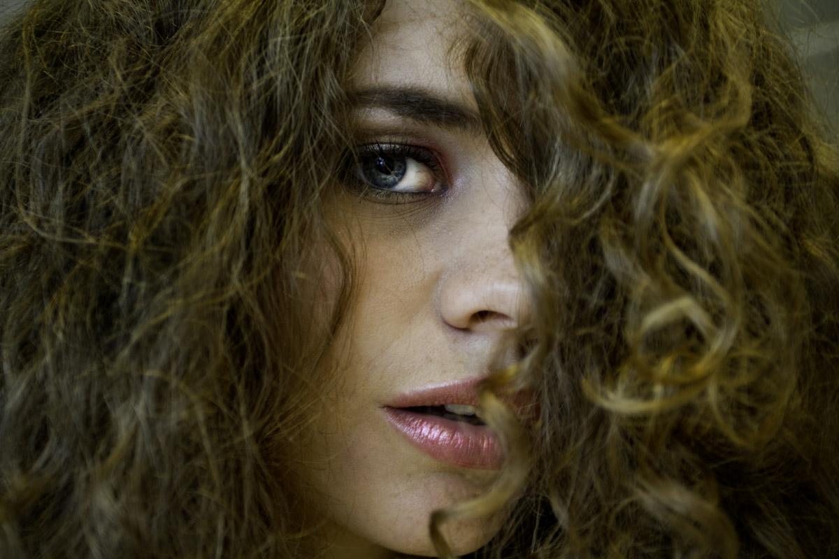 Le traitement des oeil contre la brûlure par la coloration pour cheveux