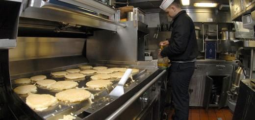 pancakes-683907_1280