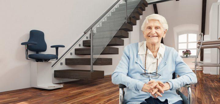 personne âgée sur une chaise